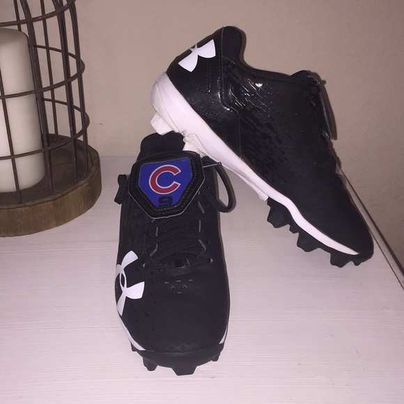 5f7840754203 Under Armour Baseball Cleats, Size Youth 3. M_5aa1c55b61ca10430d575783